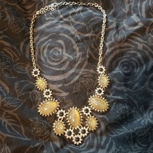 Jewelry - Gorgeous Statement Necklace!